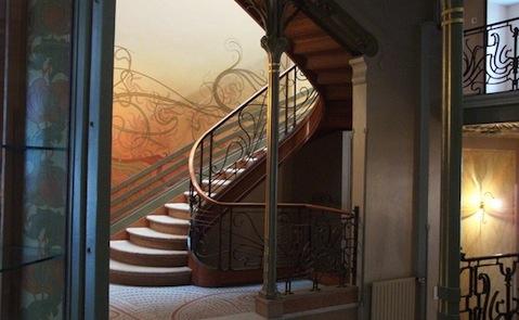 htel-tassel-_-house-_stairway_700_0