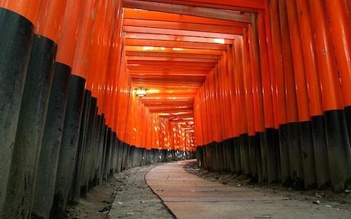 640px-KyotoFushimiInariLarge